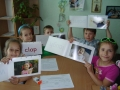 7-year-olds-having-fun-with-flash-cards